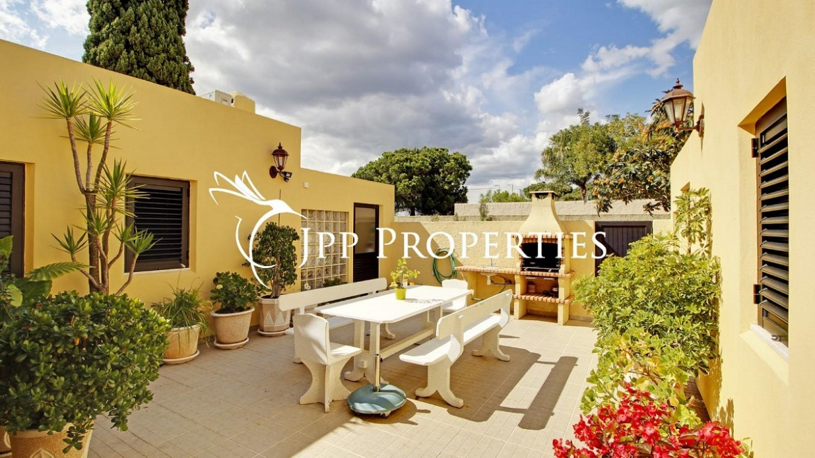 Lovely 4 bed house